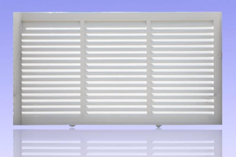 Portail brise vue coulissant en aluminium laqué blanc ABD FERMETURES