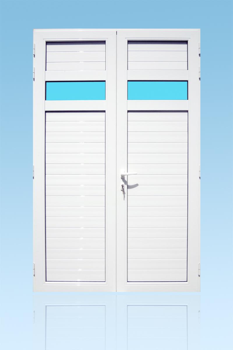 Volet battant en aluminium laqué blanc 2 vantaux avec lames ventilantes, bandes vitrées et serrure de sécurité 3 points ABD FERMETURES