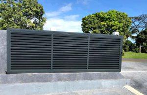 Portail coulissant brise-vue en aluminium anthracite ABD FERMETURES